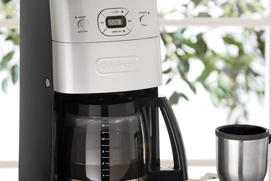 Making Coffee in Cuisinart DGB-625BC Grind-and-Brew 12-Cup Automatic Coffeemaker