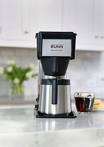 This $100 coffee maker manages to brew a FULL 10-cup carafe in under 3  minutes. That's right! An entire 50 ounces of joe in 180 seconds.