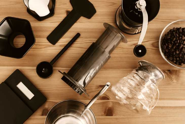 Equipment to make Aeropress espresso